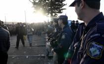 Bericht: Griechen verbringen viele Flüchtlinge auf das Festland