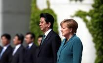 Merkel gratuliert Abe zum Wahlsieg