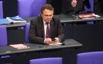 Friedrich bedauert Rückzug aus Bundestagspräsidium