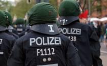 Rechten Polizisten droht Gehaltsverlust