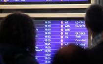 Baerbock will Flugreisen teurer machen und Kurzstrecken abschaffen
